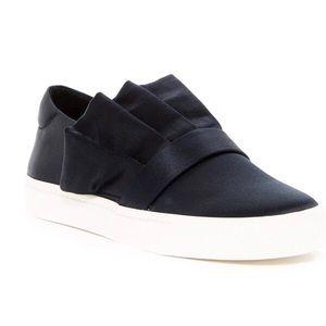 Louise et Cie Buca Ruffle Slip-On Sneaker - Black
